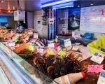 12-market-stall-la-bree-les-bains-ile-doleron